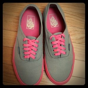 Like New Rare Pink and Grey Vans W9